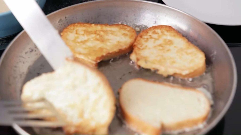Тартин (французский бутерброд с сыром бри и яблоками) — пошаговый рецепт, шаг 3