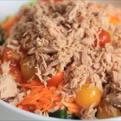 Салат с тунцем — пошаговый рецепт, шаг 2
