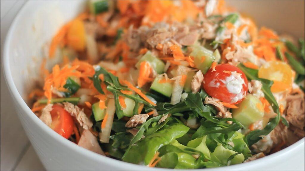 Салат с тунцем — пошаговый рецепт, шаг 3